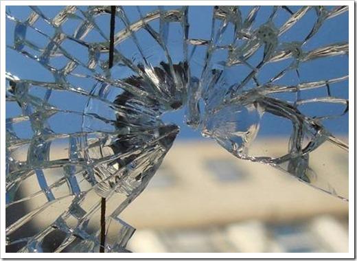 Замена стёкол в деревянных окнах