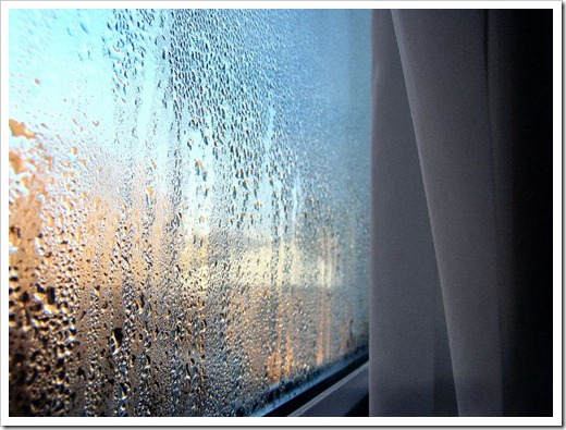 Устранение конденсата на мансардных окнах.