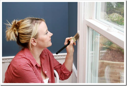 Выбор краски для откосов окон