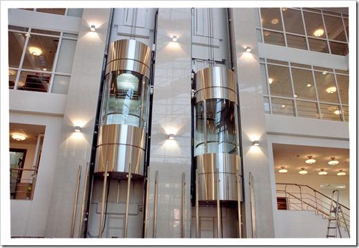 Разница в использовании гидравлических и электрических лифтов
