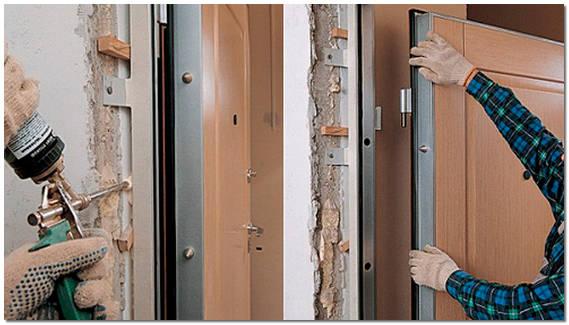 Как поставить металлическую дверь своими руками фото
