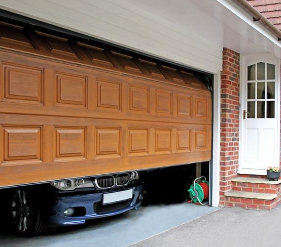 Какие ворота лучше делать в гараже