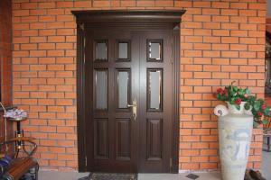 Монтаж входной двери