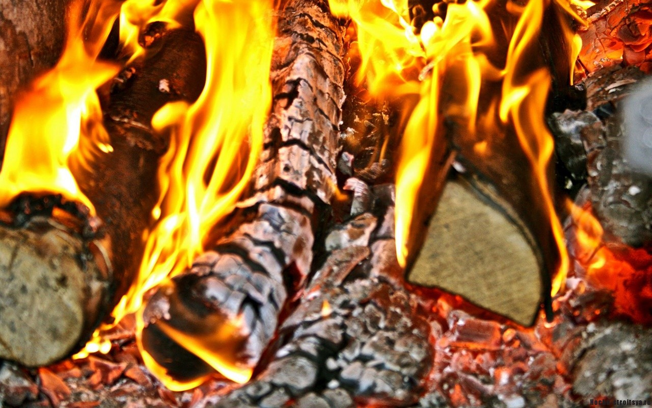 Как растопить печку на дровах?