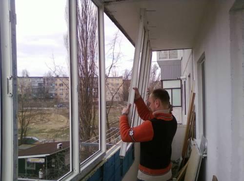 osteklenie-balkona-svoimi-rukami