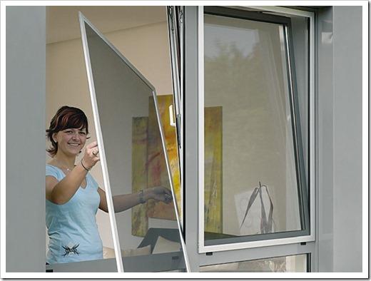 Как установить москитную сетку на окно? Защищаемся от насекомых.