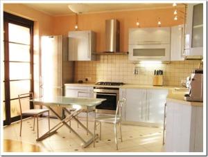 Выбираем материал для качественной и эффектной отделки кухни
