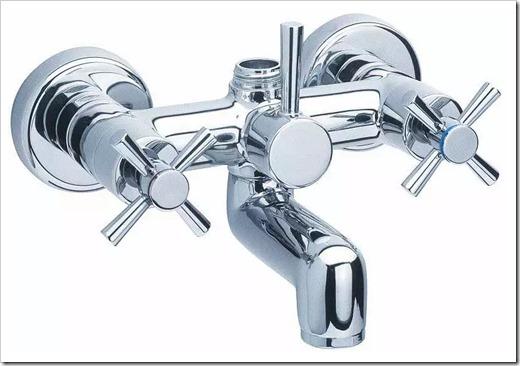 Различные виды смесителей для ванной комнаты