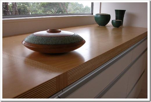 Как установить деревянный подоконник?