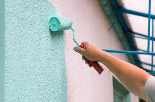 Какой краской красить фасад