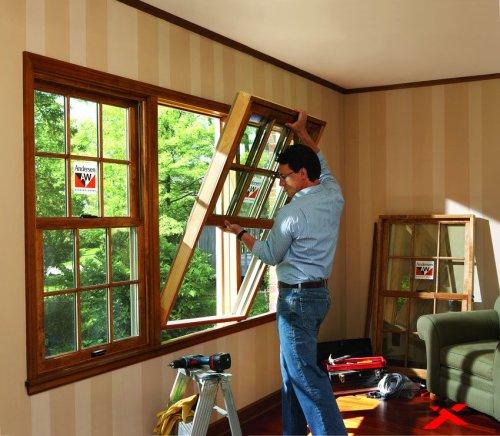 Как поставить деревянное окно