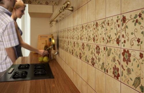 Как выложить фартук на кухне из плитки