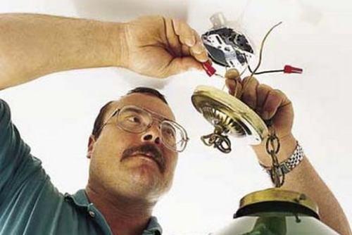 Как повесить подвесную люстру