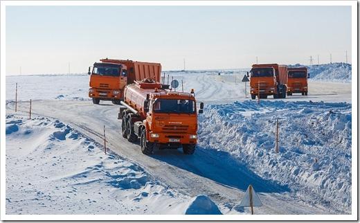 Для передвижения по зимнику необходим огромный опыт