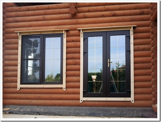 пластиковое окно для деревянного дома
